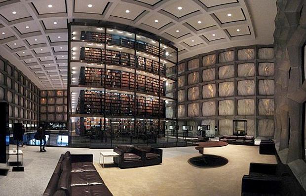 Biblioteca Beinecke cu cărţi rare - Universitatea Yale - SUA