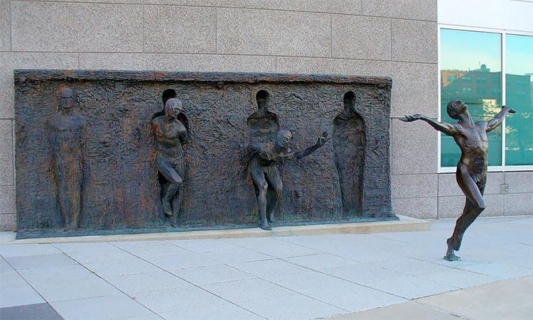 """""""Evadează din mucegai"""" - de Zenos Fraudakis - Philadelphia, SUA"""