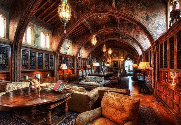 Biblioteca gotică a Castelului Hearst - SUA